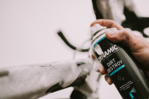 Dynamic Dirt Destroy foam spray for effective bike cleaning